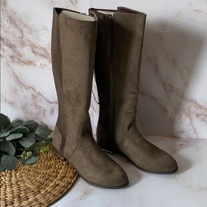 NWT - Kenzie Tayson Knee high boots 8.5 - brown